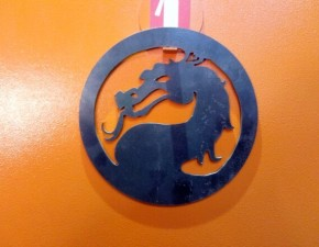 Символ Mortal Kombat, КрымМеталл