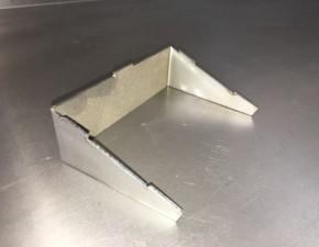Измерение размера детали из металла